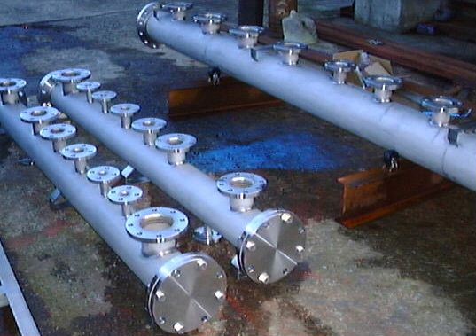 ステンレスのヘッダー管